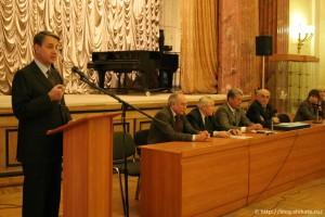 А.А.Авдеев, министр культуры России, и члены президиума