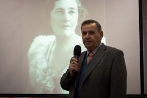 Ведущий заседания - главный редактор журнала Александр Александрович Полещук